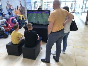 Konsola z grą FIFA do wynajęcia na event sportowy